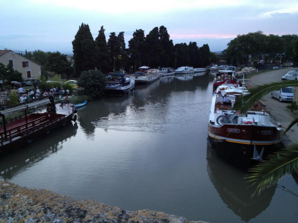 A lovely evening by the Canal du Midi...getting ready for a lovely dining experience!