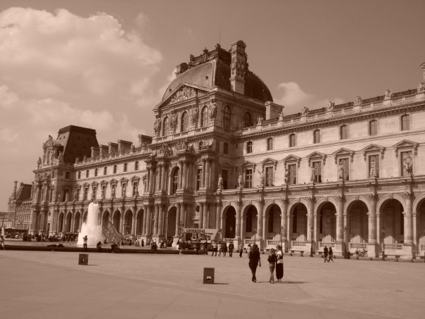 Le Louvre in Paris it is not only about the in-doors Gallery