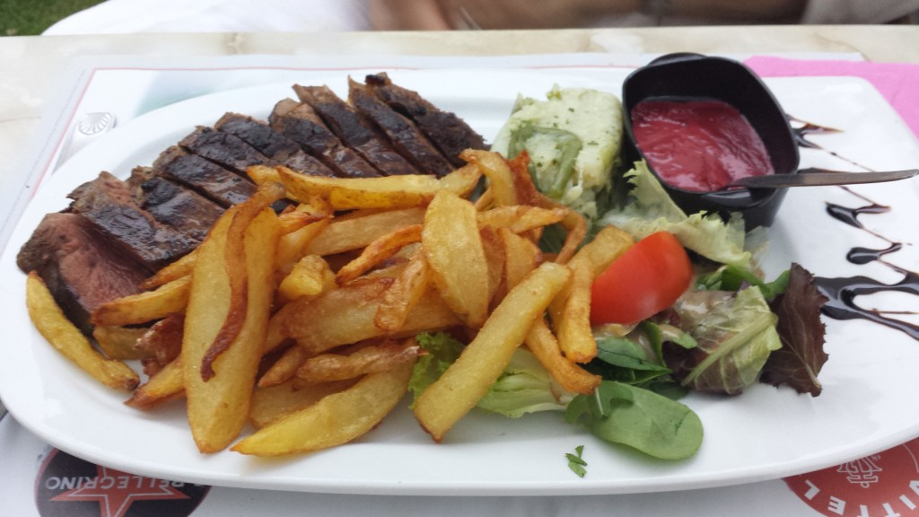 Absolutely loved my magret de canard with home made fries, veggies, salad and raspberry sauce. 19€