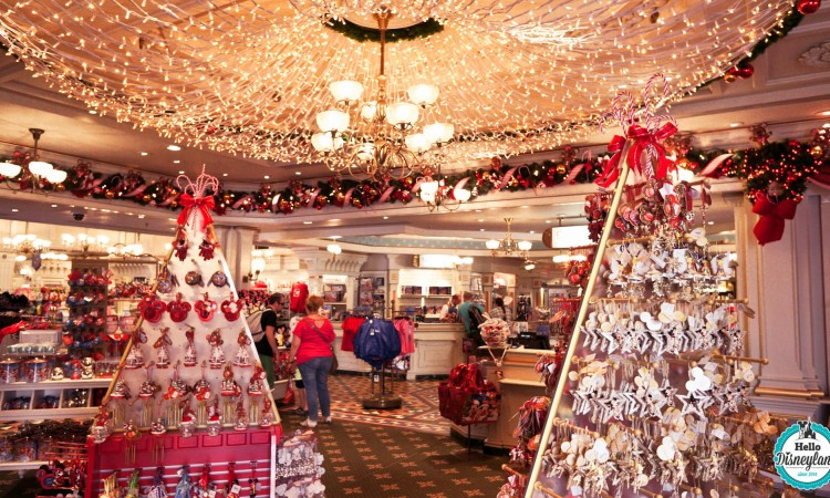 Where to buy Christmas decorations in Paris?